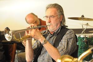 Dixielandtrompeter der Friends of Dixieland in Aktion