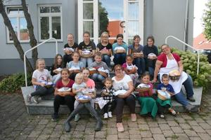 Kinder backen im Backhaus